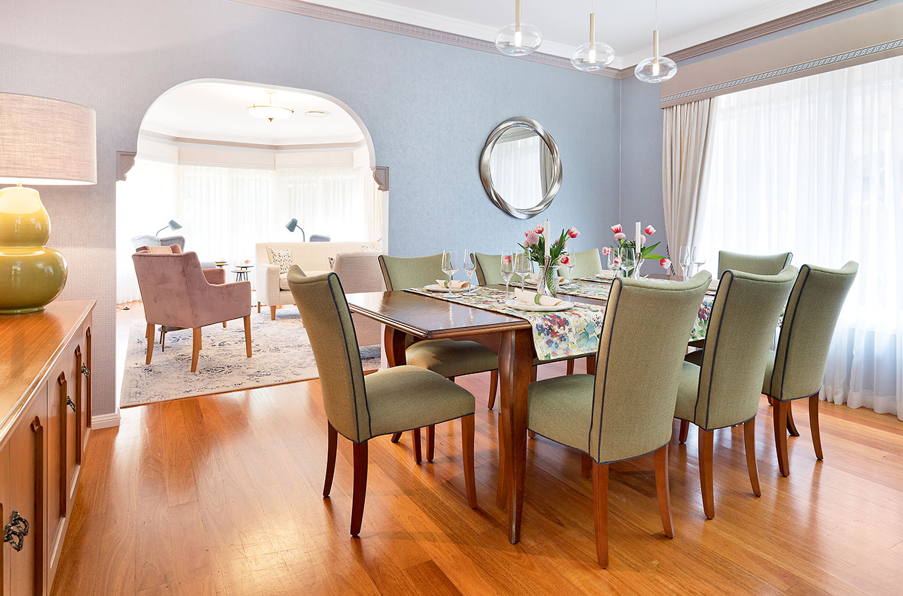 Dining room set for entertainment
