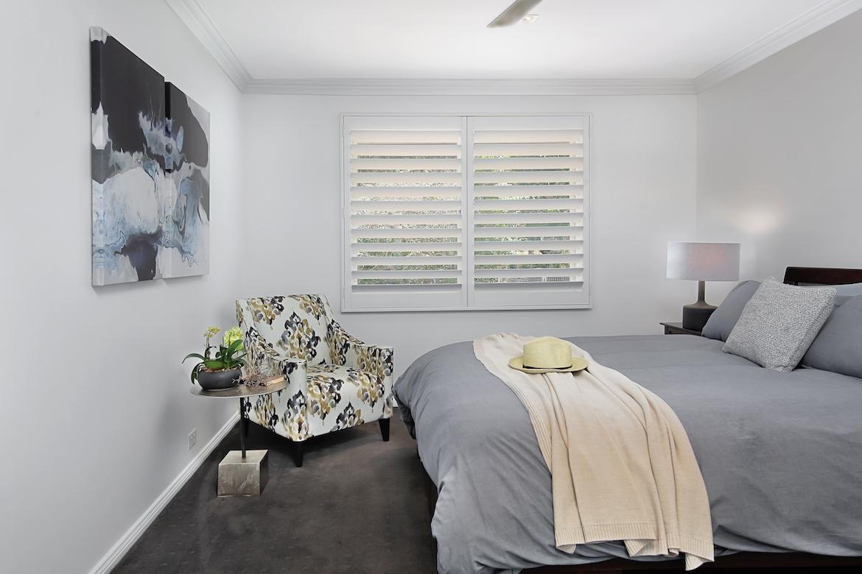 guest bedroom in blue tones